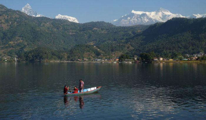 Fewa lake, Boating & Mountains from pokhara