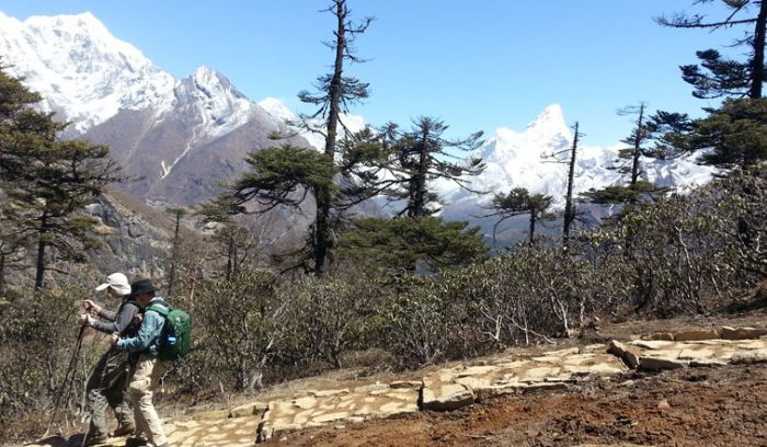 Everest adventure walking