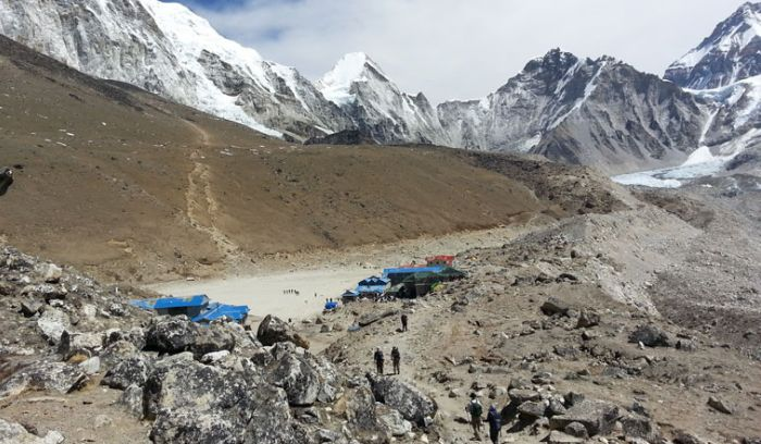 Gorakshep at 5170m /16,957 ft, the last Tea houses before Hike to Everest base camp or Kalapattar